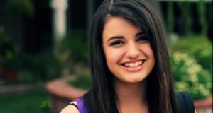 Láttu Rebecca Black minna þig á hvenær það er föstudagur!