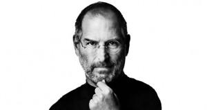 Steve Jobs er fallinn frá