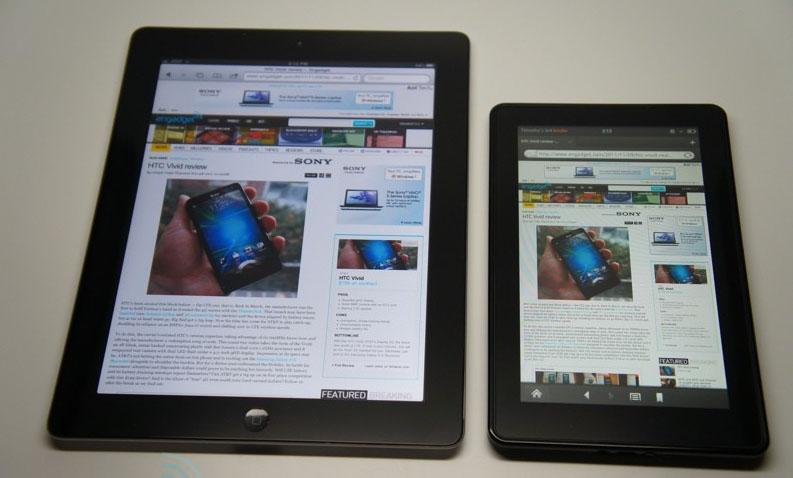 iPad 2 vinstra megin, Kindle Fire hægra megin