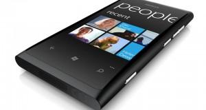 Nokia Lumia 800 í öllu sínu veldi