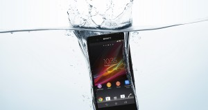 Sony Xperia Z umfjöllun: Vatnsheldur ofursími – Myndband