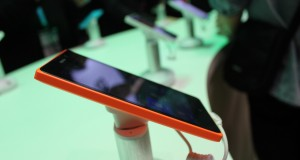 Nokia XL prófaður – Myndband